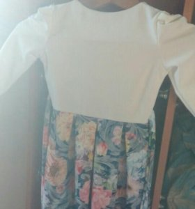 Платье для девочки 5-7лет.