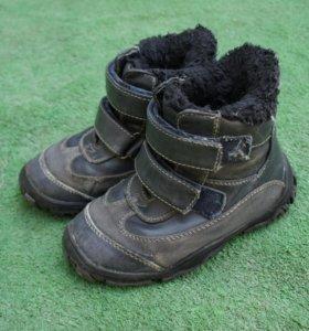 Ботинки зимние 25разм.