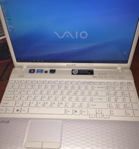 Ноутбук Sony vaio VPC-EH2J1R (белый)