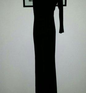 Вечернее платье со шлейфом р.42