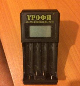 Зарядник для аккумуляторных батареек типа АА и ААА
