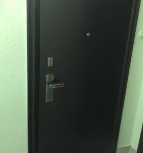 Дверь железная входная, улучшенная, демонтирована
