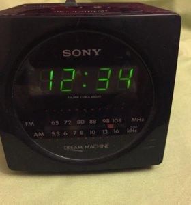 Часы SONY с радио оригинальные