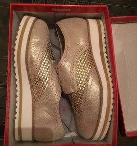 Лоферы, ботинки женские