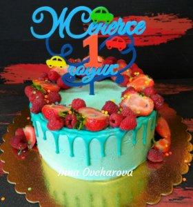 Торт с ягодками