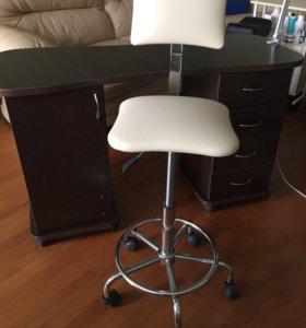 Маникюрный стол и стул