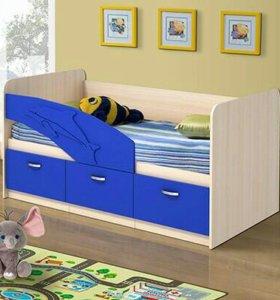 Детская кроватка с бортиками «Дельфин»