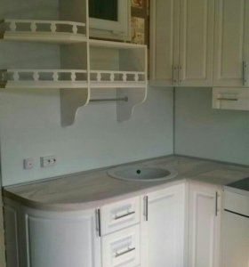 Кухня с пеналом