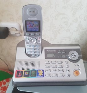 2 радио телефона Panasonic с базой
