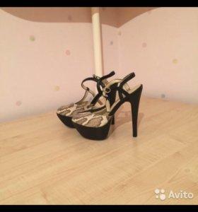 8becf432a Женская обувь в Таганроге - купить модные туфли, сапоги, кроссовки ...