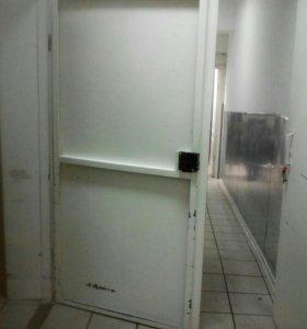 Двери меж комнатные, железные а также жалюзидвери