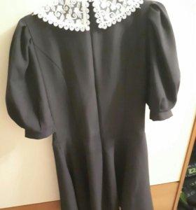 Платье школьное.