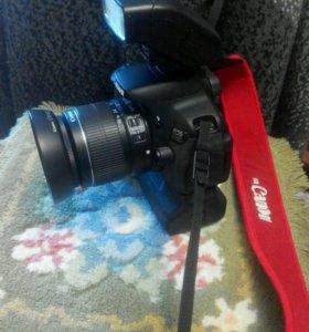 Зеркальный фотоаппарат Canon 650 D c ceнсорным эк