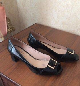 Туфли из натуральной кожи, лакированные