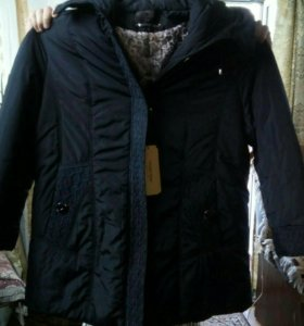 Женская куртка (пуховик)