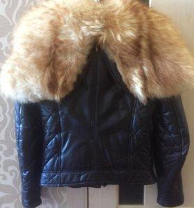 Куртка из натуральной кожи и мехом лисы