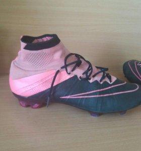 Футбольная обувь р-43 27.5см маломерят