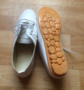 Обувь белые туфли