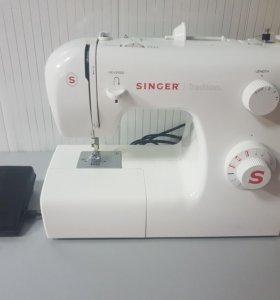 Швейная машина Zinger 2250