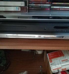 DVD плеер 3 штуки.