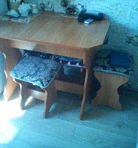 Стол кухонныйи 3 стула для кухни для дачи