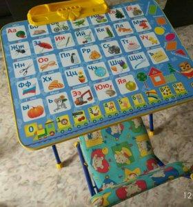 Столик со стульчиков