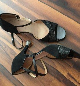 Туфли для танцев профессиональная обувь 39р