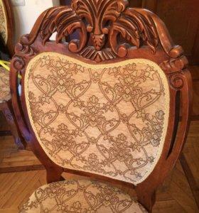 Продам стол и стулья из дерева