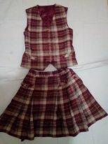 Школьный костюм(юбка и жилетка)