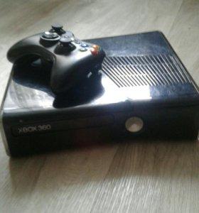 Продам Xbox 360 на 250Gb!Прошитый!
