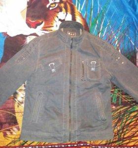 Продам джинсовую куртку цена 500 руб.новую размер
