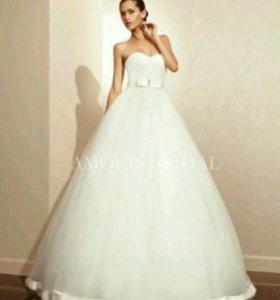 Свадебное платье Amour Bridal, Испания
