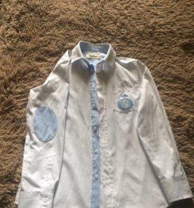Продаётся белая рубашка для мальчика
