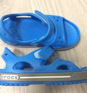 Crocs новые сандалии 23-24 размер