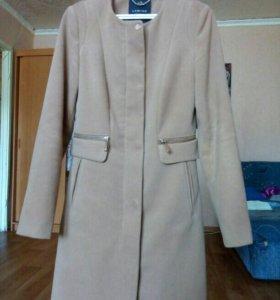 Пальто 42 р-р