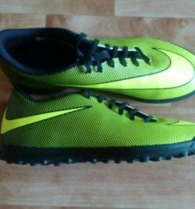 Футбольная обувь Nike (Bravatax)