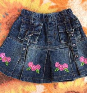 Джинсовая юбка на 1-1,5 года в отличном состоянии.