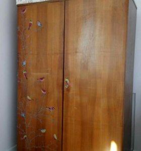Винтажный шкаф