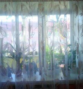 Шторы на окна в отличном состоянии.