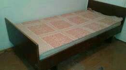Кровати деревянные 2 шт
