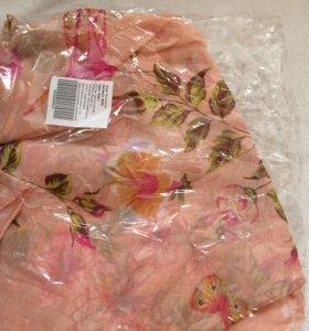 Новый тонкий шарф,розовый с цветочками.