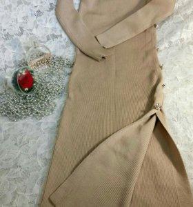 Вязаное новое платье
