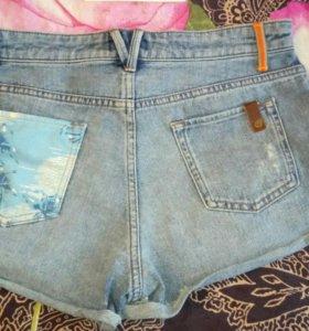 Новые шорты Roxy