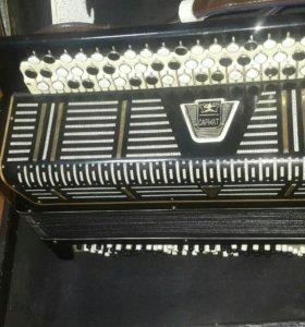 Баян или аккордеон с чехлом