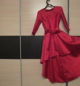 Продам красное платье с шифоном