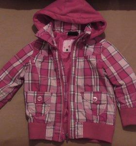 Куртка для девочки с флисовым капюшоном р 104