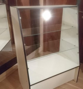 Витрина стеклянная с полками 500х850х1200