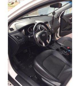 Hyundai ix35 2.0 AT (150 л.с.) 4WD 2013 год