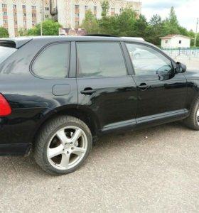 Автомобиль Porshe Cayenne S