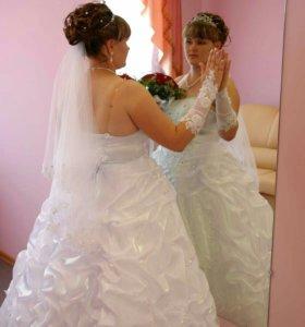 Свадебное платье,фата,перчатки